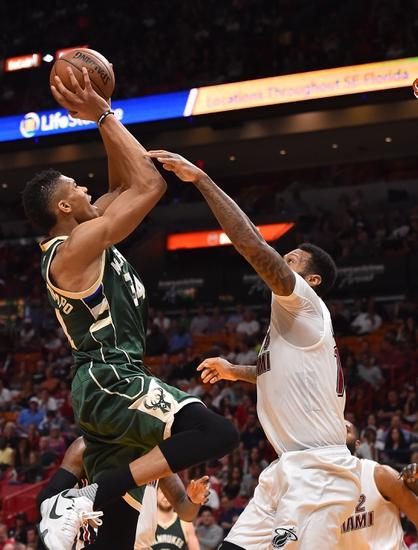 Milwaukee Bucks vs. Miami Heat - 2/8/17 NBA Pick, Odds ...